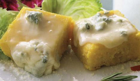 Gratinierte Polentawürfel mit Gorgonzola