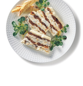 TARRINA DE QUESO GORGONZOLA CON HIGOS SECOS Y NUECES