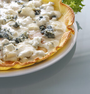 QUICHE WITH GORGONZOLA AND PEARS